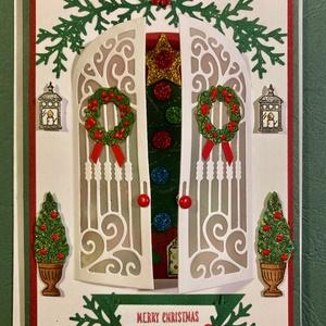 Karácsonyi képeslap, ajtó,bejárat, Karácsony, Advent, , Otthon & Lakás, Karácsony & Mikulás, Karácsonyi képeslap, Papírművészet, Karácsonyi feldíszített bejáratot ábrázol ez a képeslapom, ahonnan be lehet lesni a feldíszített kar..., Meska