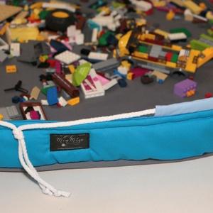 Legozsák szürke-türkiz-vkék, Játéktároló, Tárolás & Rendszerezés, Otthon & Lakás, Varrás, 90 cm átmérőjű felálló puha peremmel és összehúzó zsinórral rendelkező legózsák. Az anyag összetétel..., Meska