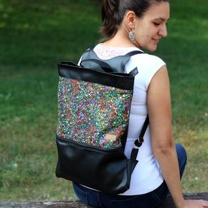 Női laptop táska fekete színes körös, Táska & Tok, Laptop & Tablettartó, Laptoptáska, Varrás, Textilbőr és designer pamutvászon kombinációja. Elöl nagy zsebbel, amiben elfér a töltő és az egér. ..., Meska