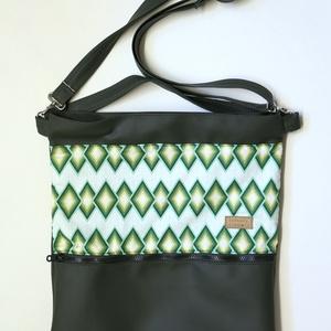 Női oldal táska zöld cikk-cakk mintás, Táska & Tok, Laptop & Tablettartó, Laptoptáska, Varrás, Textilbőr és designer pamutvászon kombinációja. Elöl nagy zsebbel, amiben elfér a telefon, kulcsok, ..., Meska