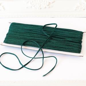 Sujtás zsinór SMARAGDZÖLD, 30m tekercs, Textil, SMARAGDZÖLD színű sujtás zsinór, kb. 3 mm széles, bő 30m hosszú tekercs. Nagyon finom, puha, selymes..., Meska