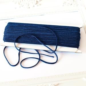 Sujtás zsinór SÖTÉTKÉK, 30m tekercs, Textil, SÖTÉTKÉK színű (Navy blue) sujtás zsinór, kb. 3 mm széles, bő 30m hosszú tekercs. Nagyon finom, puha..., Meska
