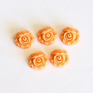 Rózsa műgyanta kaboson, virágos, kerek, fúratlan lencse, vintage stílusú, barack, 5 db / csomag, Gyöngy, ékszerkellék, Cabochon, Ékszerkészítés, Rózsa alakú, kerek, pehely könnyű műgyanta lencse, lapos hátú, barack színben. \nA kaboson méretei: 1..., Meska