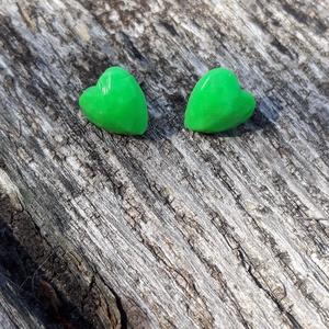 Zöld szív nemesacél fülbevaló, gyurma, antiallergén, Ékszer, Fülbevaló, Ékszerkészítés, Gyurma, A fülbevaló 15mm-es és nemesacél az alapja. , Meska