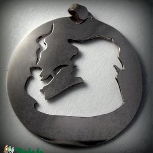 Sherlock Holmes medál (minicsiga) - Meska.hu