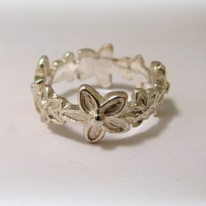 Ezüst virágos gyűrű, Kerek gyűrű, Gyűrű, Ékszer, Ékszerkészítés, Ötvös, 925-ös ezüstből készül\nKérlek rendeléskor üzenetben add meg az ujj méreted., Meska