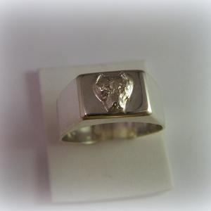 Ezüst Cane Corso pecsét gyűrű, Pecsétgyűrű, Gyűrű, Ékszer, Ékszerkészítés, Ötvös, 925-ös ezüstből készül\n\nrendeléskor kérlek az ujjméreted írd meg üzenetben\n\nSzemélyes átvétel a Mom ..., Meska