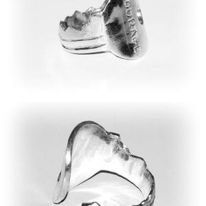 Ezüst kulcs gyűrű, Statement gyűrű, Gyűrű, Ékszer, Ékszerkészítés, Ötvös, 925-ös ezüst\n\nÁllítható méretű, de kérlek rendeléskor üzenetben adj meg egy körülbelüli méretet, hog..., Meska