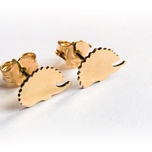 Arany sünis füli, Ékszer, Fülbevaló, Ékszerkészítés, Ötvös, Arany lemezből fűrészeltem ki a mintát\n14K-os arany, Meska