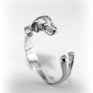 Ezüst/14K-os arany vizsla gyűrű, Figurális gyűrű, Gyűrű, Ékszer, Fémmegmunkálás, Ötvös, Egyedileg, kézzel viaszból mintázott, utána ezüstből kiöntött gyűrű\n\nMérete állítható! Körülbelül 58..., Meska