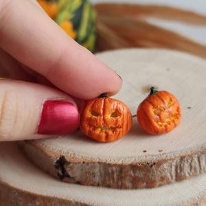 MininiLand halloweeni töklámpás fülbevaló, Ékszer, Fülbevaló, Pötty fülbevaló, Gyurma, Ékszerkészítés, Ez a Halloweeni töklámpás fülbevaló azoknak készült, akik szeretik a nem mindennapi, különleges éksz..., Meska
