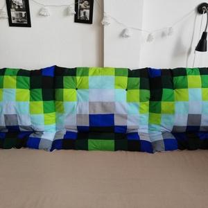 Kék-zöld szürkével-falvédő, Otthon & Lakás, Lakástextil, Falvédő, Varrás, Kék, zöld és szürke színű négyzetekből, puha töltettel készült falvédő tetszőleges méretben. Különle..., Meska
