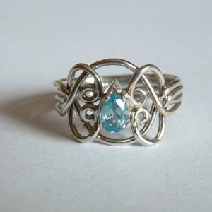 köves ördöglakat gyűrű, Ékszer, Gyűrű, Ékszerkészítés, Ötvös, 925°, sterling ezüstből készített gyűrű cirkóniával, amely az ujjról levéve 4 darabra esik szét.\nÍgy..., Meska