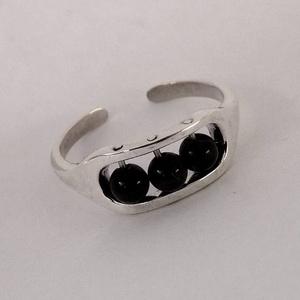Lábék, Ékszer, Bokalánc, lábgyűrű, Ékszerkészítés, Ötvös, 925°, sterling ezüstből készített lábgyűrű 3 darab ónix golyócskával, amelyek forognak a gyűrű tetej..., Meska
