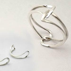 Kapocs gyűrű, Fonódó gyűrű, Gyűrű, Ékszer, Ötvös, Két különlegesen meghajlított, íves ezüstdarabot kínálok, amiket, ha ügyesen egymásba csúsztatunk ös..., Meska