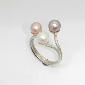 Gyöngyözön gyűrű , Ékszer, Gyűrű, Gyöngyös gyűrű, Ékszerkészítés, Ötvös, Meska