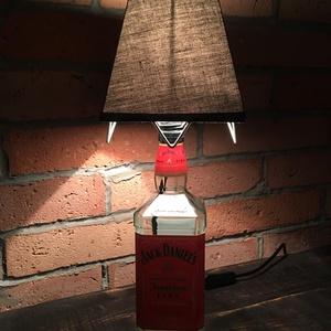 Jack Daniel\'s  fire lámpa, Férfiaknak, Lakberendezés, Otthon & lakás, Lámpa, Legénylakás, Üvegművészet, Jack Daniel\'s fire üvegből készült különleges olvasólámpa kapcsolóval. \nMéret: szélesség 16* magassá..., Meska