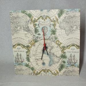 Falióra antik térkép mintával, Lakberendezés, Otthon & lakás, Falióra, óra, Férfiaknak, Decoupage, transzfer és szalvétatechnika, Szélesség: 30 cm\nMagasság: 30 cm\nFalra akasztható.\nFolyamatos járású, csendes óraszerkezettel.\nAz el..., Meska