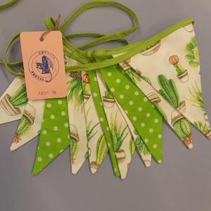 Zászló girland kaktusz mintával, Otthon & Lakás, Lakástextil, Varrás, Zászlós girland kaktusz mintával.\n\nCsodás ajándék, ami a lakás dísze lehet. \n\n3 méter hosszú, 12 db ..., Meska