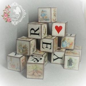 Dekorkockák, Otthon & lakás, Dekoráció, Gyerek & játék, Játék, Decoupage, transzfer és szalvétatechnika, 8x8 cm-es képes és betű dekorkockák szettben\n\nA szettben 12 db kocka található.\n\nA betűk direkt úgy ..., Meska