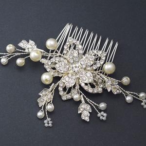d5eb97cad8 ... Gyöngyfűzés Menyasszonyi fésű nagy kristály virággal, Ékszer, Esküvő,  Esküvői ékszer, Hajdísz, ruhadísz