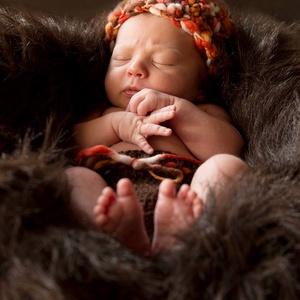 Horgolt baba , újszülött  sapka fotózásra 0-2 hó - ruha & divat - babaruha & gyerekruha - babafotózási ruha és kellék - Meska.hu