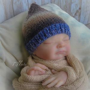 Kötött  baba sapka   fotózásra 0-2 hónapos méret, Gyerek & játék, Táska, Divat & Szépség, Gyerekruha, Ruha, divat, Baba (0-1év), Varrás, Kötés, Kézzel kötött babasapka . \nFotózásra, vagy ajándéknak is kiváló választás \n \nEgyedi darab- (nem kész..., Meska