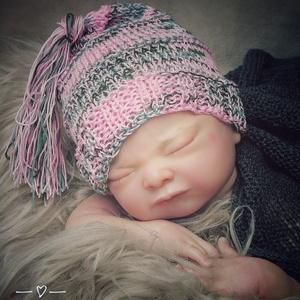 Kötött baba sapka 0-3 hónapos méret , Ruha & Divat, Babafotózási ruha és kellék, Babaruha & Gyerekruha, Kötés, Meska