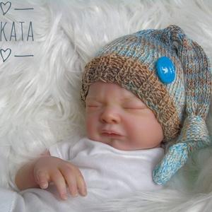 Újszülött  kötött sapka 0-3 hó , Gyerek & játék, Táska, Divat & Szépség, Hajbavaló, Ruha, divat, Hajpánt, Kötés, Újszülött kézzel kötött babasapka\n\nMérete : 0-3 hó\nAnyaga: Baba barát  pamut fonal\nA termék készlete..., Meska
