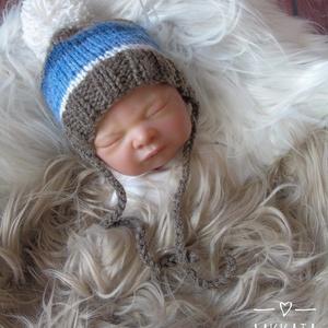 Újszülött  kötött sapka 0-3 hó , Gyerek & játék, Táska, Divat & Szépség, Hajbavaló, Ruha, divat, Hajpánt, Kötés, Újszülött kézzel kötött babasapka\n\nMérete : 0-3 hó\nAnyaga: Baba barát akril fonal\nA termék készleten..., Meska