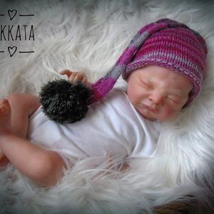 Kötött újszülött baba sapka 0-2 hónapos méret , Gyerek & játék, Táska, Divat & Szépség, Gyerekruha, Ruha, divat, Baba (0-1év), Kötés, Kézzel kötött  babasapka \nMérete : 0-2 hó\n33-38cm- es fejméretig  \n \nAnyaga:  baba barát   akril fon..., Meska