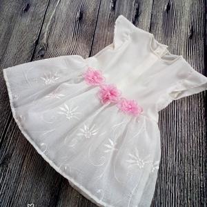 Alkalmi , keresztelő kislány ruha 68 - as méret , Táska, Divat & Szépség, Gyerekruha, Ruha, divat, Baba (0-1év), Varrás,   Alkalmi- keresztelő  kislány ruha +fejpánt \nFelső része ekru színű \nSzoknya: tüll, és    hímzett o..., Meska