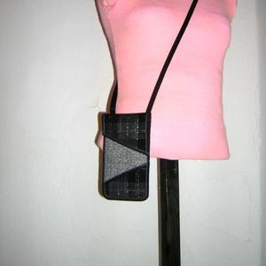 Szövet mobiltok állítható pánttal  XL telefon tartó Nyakba akasztható kistáska rendelhető - Meska.hu
