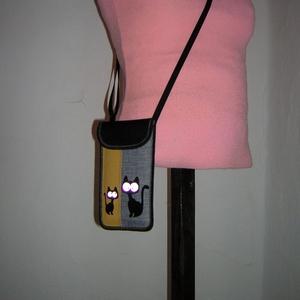 Rendelhető állítható pántos mobiltok  Cicás kistáska fekete-szürke-sárga - táska & tok - pénztárca & más tok - telefontok - Meska.hu