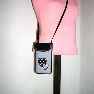 Állítható pántos mobil tok  Plus-os méretű telefonokhoz  Szívek - Meska.hu