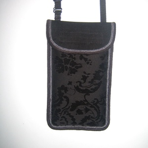 Állítható pántos mobil tok  Plus-os méretű telefonokhoz  elegáns Fekete barokk mintás kistáska - táska & tok - pénztárca & más tok - telefontok - Meska.hu
