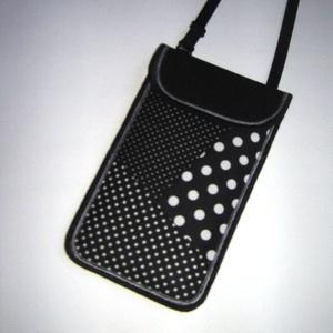 Állítható pántos mobil tok  Plus-os méretű telefonokhoz  fekete-fehér pöttyös, Táska & Tok, Pénztárca & Más tok, Telefontok, Varrás, Meska