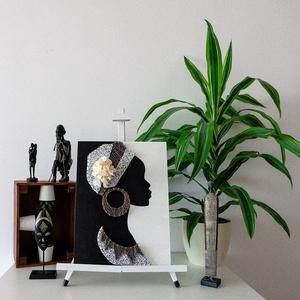 """Afrikai nő - String art, Kép & Falikép, Dekoráció, Otthon & Lakás, Festett tárgyak, Fonás (csuhé, gyékény, stb.), A termék a Modern String Art ,,HELLO AFRICA\"""" kollekciójának egy darabja. \n\nMéret:30x40cm\n\nMinden ter..., Meska"""