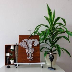 """Elefánt - String Art , Kép & Falikép, Dekoráció, Otthon & Lakás, Fonás (csuhé, gyékény, stb.), Festett tárgyak,  A termék a Modern String Art ,,HELLO AFRICA\"""" kollekciójának egy darabja. \n\nMéret: 30x40cm\n\nMinden t..., Meska"""