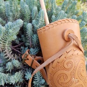 Oldal gyermektegez Viking motívummal Natúr színben  (MogorLeather) - Meska.hu