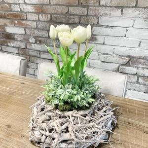 Élethű tulipános tavaszi asztali dísz (mogyorosimesi) - Meska.hu