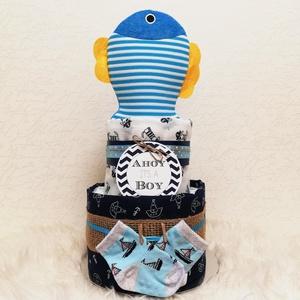 Pelenkatorta - tengerész, Játék & Gyerek, Babalátogató ajándékcsomag, Mindenmás, Pelenkatorta tengerészes dekorációval.\nKedves és praktikus saját készítésű ajándék babaváró bulira, ..., Meska
