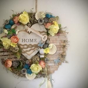 """""""HOME""""-Ajtódísz,Kopogtató, Otthon & Lakás, Dekoráció, Ajtódísz & Kopogtató, Virágkötés, Ajtódíszem alapja farost,melyet zuzmóval,fa lapocskákkal,zöldekkel és Virágokkal(Habrózsa,Szatén Bog..., Meska"""
