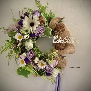 """""""LILA-FEHÉR OTTHON""""-Ajtódísz,Kopogtató, Otthon & Lakás, Dekoráció, Ajtódísz & Kopogtató, Virágkötés, Hungarocell alapot díszítettem minőségi zöldekkel és zsák vászonnal,melyet Fehér és Lila virágokkal(..., Meska"""