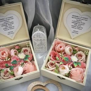 """""""KÖSZÖNÖM""""-Esküvői Szülőköszöntő Szett -Fa Virágdoboz-, Esküvő, Emlék & Ajándék, Szülőköszöntő ajándék, Virágkötés, Decoupage, transzfer és szalvétatechnika, Fa ajándékdobozt díszítettem minőségi örök virágokkal-púder barack angol    rózsákkal,rózsaszín és k..., Meska"""