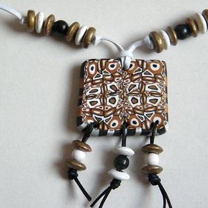 Ünnep medál, Medálos nyaklánc, Nyaklánc, Ékszer, Ékszerkészítés, Gyurma, Süthető gyurmábó l(FIMO Classic) készítettem millefiori technikával a 4 x 3,5 cm-es medált, amit gyö..., Meska