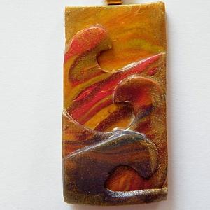 Naplemente a tengeren medál, Ékszer, Medál, Nyaklánc, Ékszerkészítés, Gyurma, Arany, sárga, piros és bordó FIMO ékszergyurmából (és némi pigmentporból) készült négyrétegű medál. ..., Meska