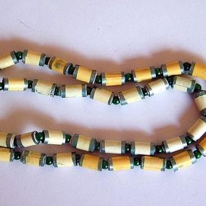 Csibevirág nyaklánc újrahasznosított papírból, Ékszer, Medál nélküli nyaklánc, Nyaklánc, Ékszerkészítés, Újrahasznosított alapanyagból készült termékek, Meska