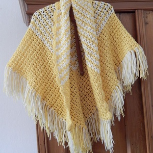 Horgolt vállkendő , Táska, Divat & Szépség, Ruha, divat, Női ruha, Poncsó, Horgolás, Újrahasznosított alapanyagból készült termékek, Vastag, fehér mintás, tört sárga színű pamutból horgolt vállkendő!\n\nMérete: 160 cm x 95 cm\n\nPuha, me..., Meska