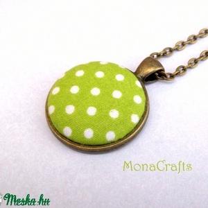 Zöldalma - zöld-fehér pöttyös antik bronz nyaklánc (MonaCrafts) - Meska.hu